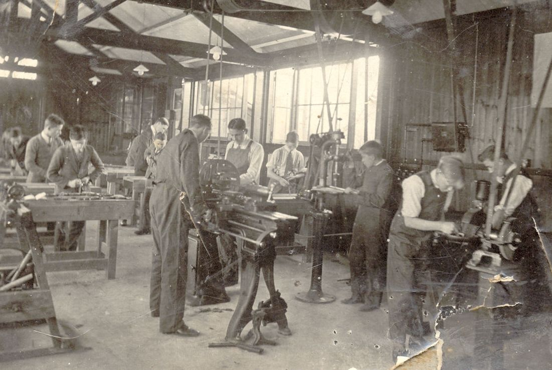 Workshops at the new grammar school in 1928.
