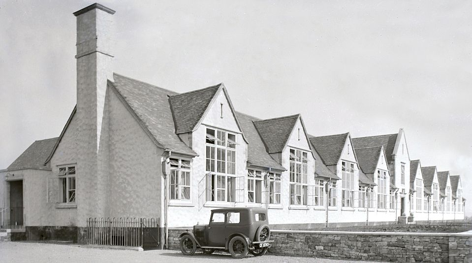 The 'new' Chipping Campden School at its present location in Cidermill Lane as it looked in 1927.