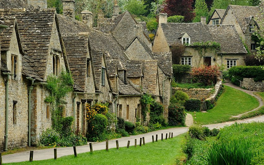 The former weavers' cottages that make up the picturesque Arlington Row in Bibury.