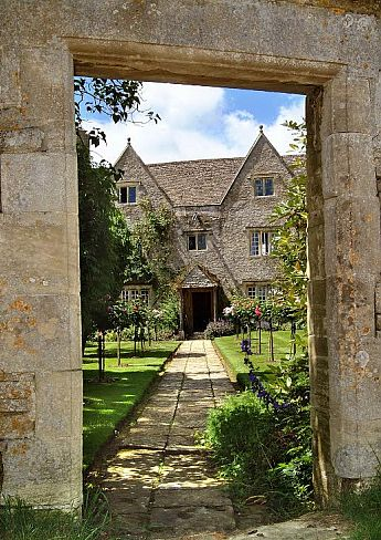 Framed entrance to Kelmscott Manor.