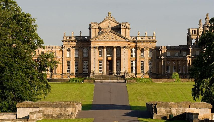 A view of Blenheim Palace from the front.