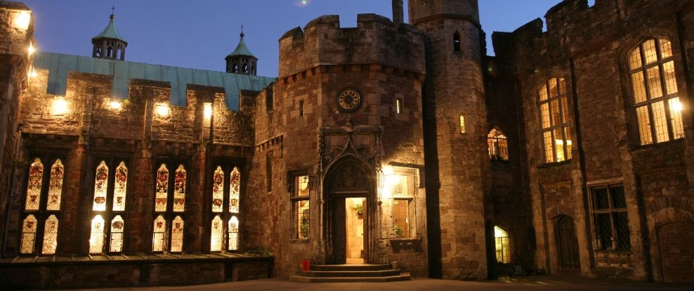 Berkeley Castle looks absolutely stunning when it is lit up at night.