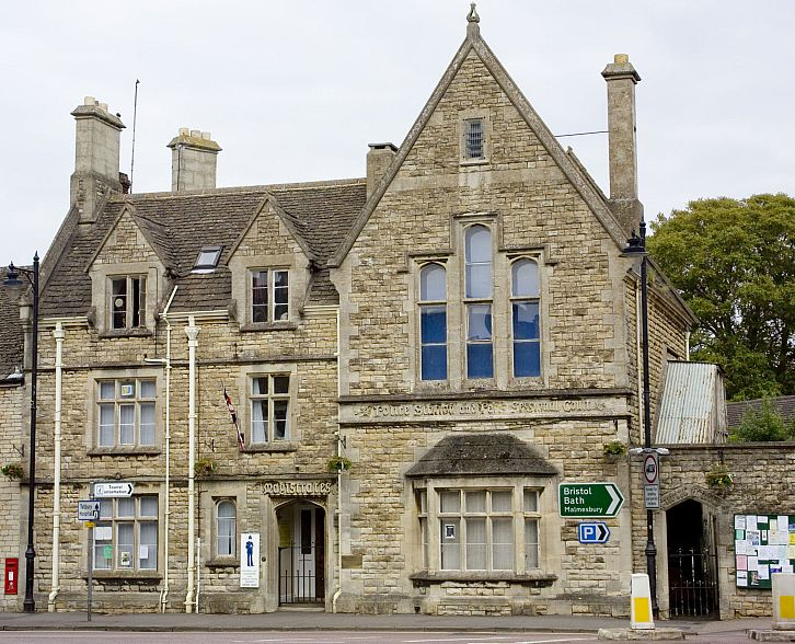 Tetbury Police Museum in Long Street is dedicated to the history of the Gloucestershire Constabulary.