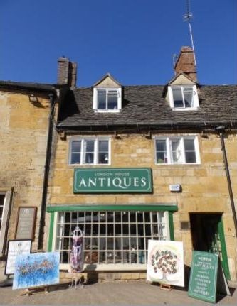 Janet Watson Art can be seen at London Road Antiques in Moreton-in-Marsh.