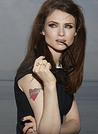 Sophie Ellis-Bextor will be appearing on the Main Stage on the Sunday.
