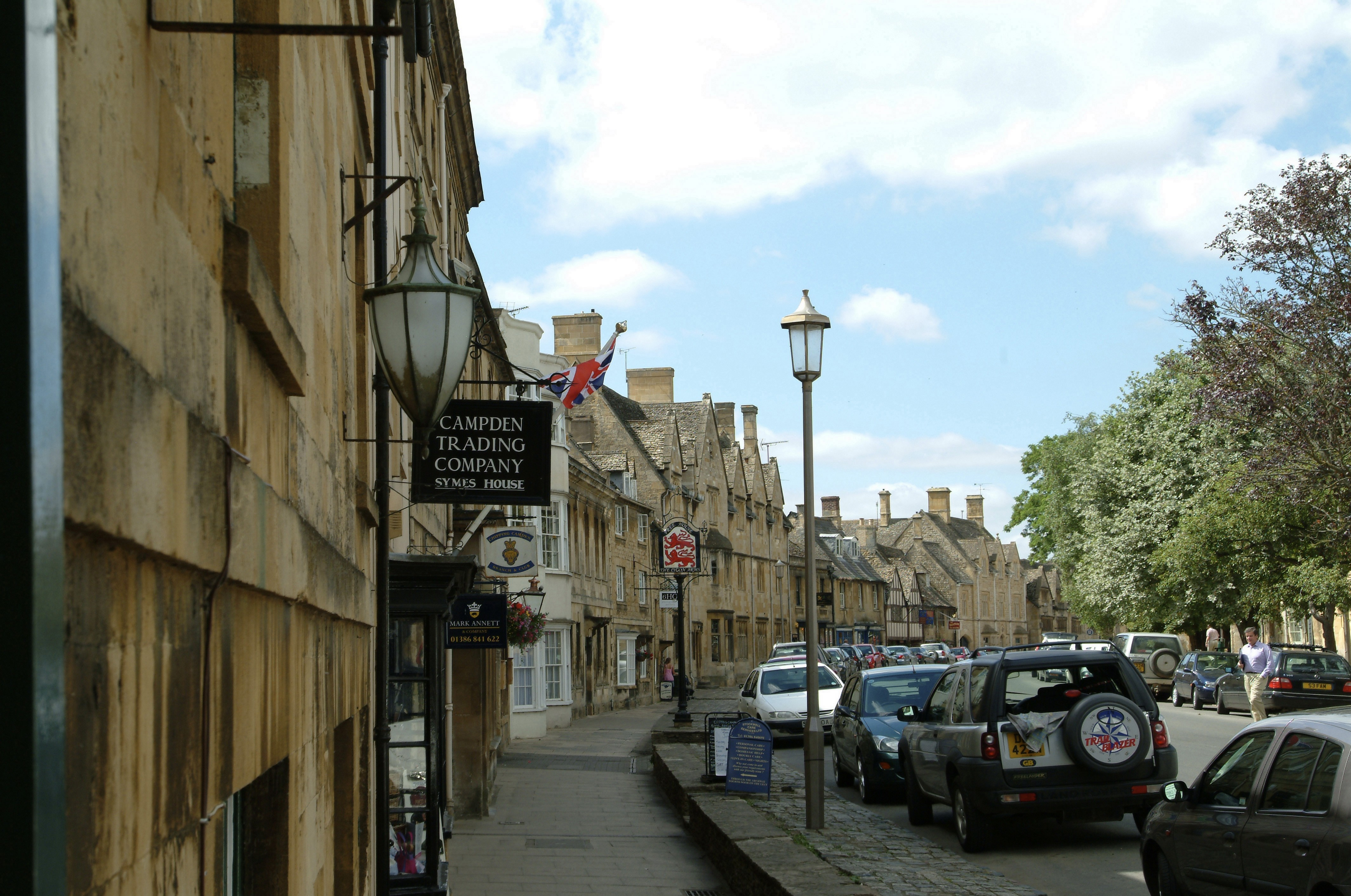 Chipping Campden High Street. Picture copyright Cotswolds Conservation Board.