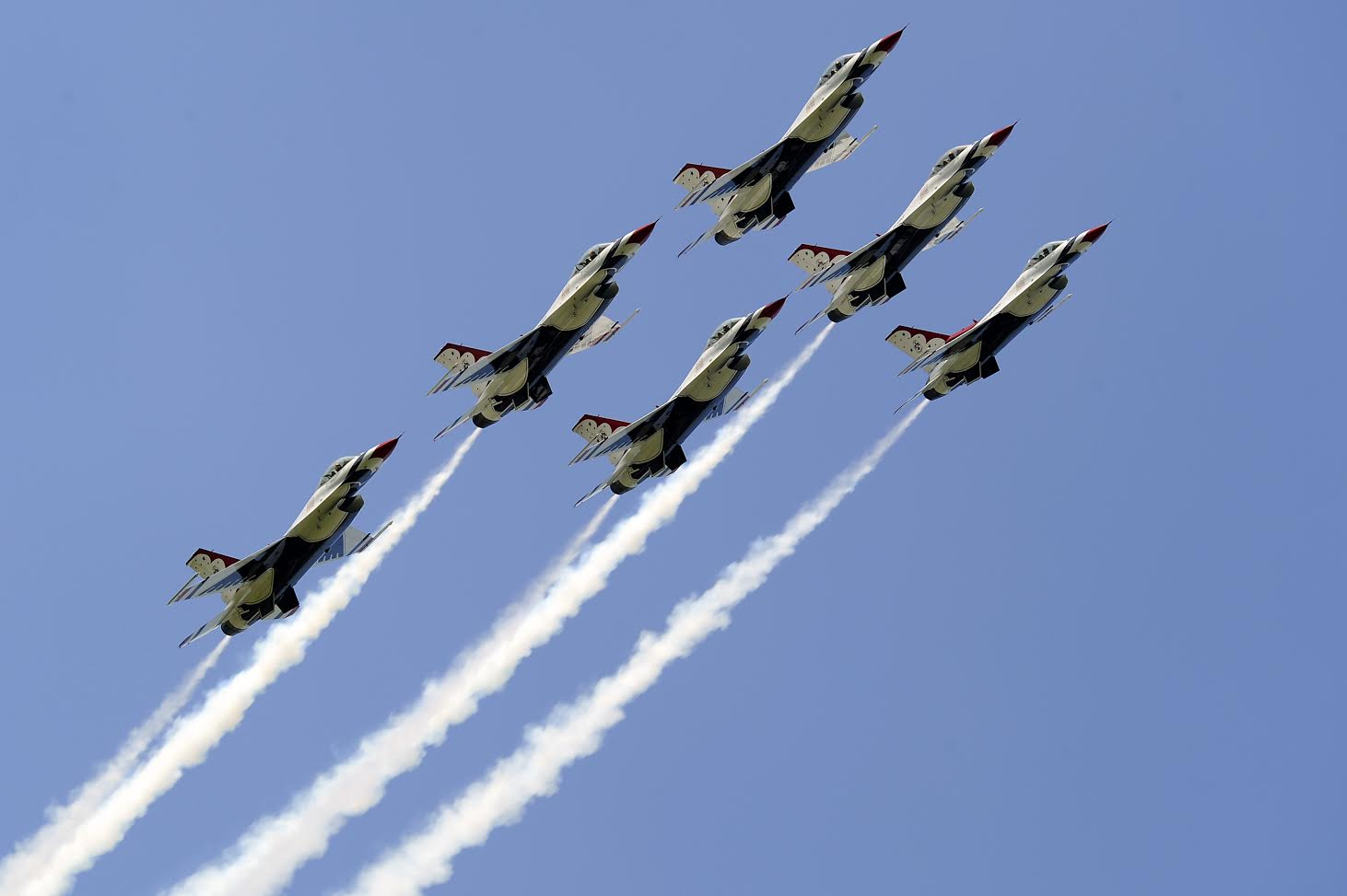 The USAF Thunderbirds demonstration team in action